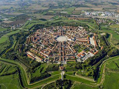 از شهر قرون وسطایی به شهر دوره رنسانس
