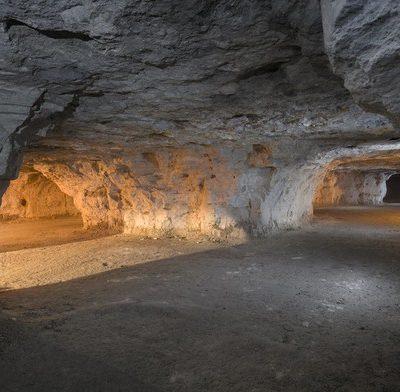 استخراج معادن زیر زمینی به روش اتاق و پایه یا