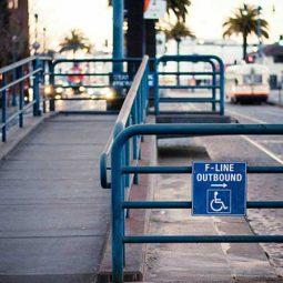 مناسبسازی پایانههای حملونقل برای معلولین