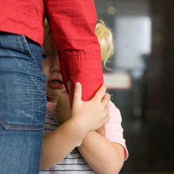 گوشه گیری و کمرویی کودکان